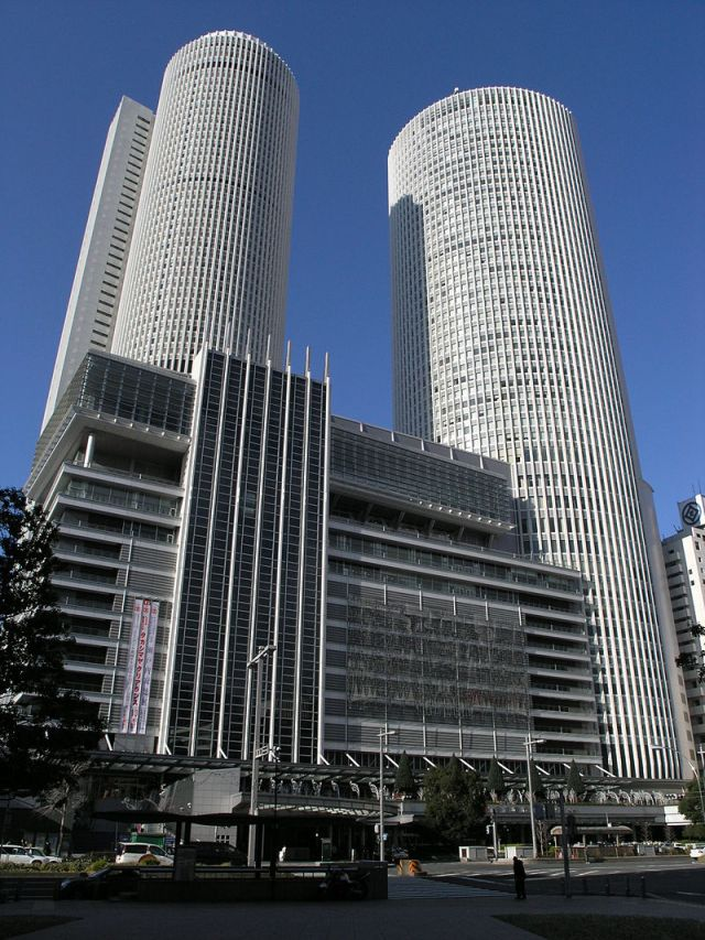 800px-JR_Central_Towers01