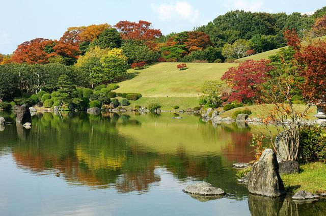 1280px-131116_Expo_Commemoration_Park_Suita_Osaka_pref_Japan15s5.jpg